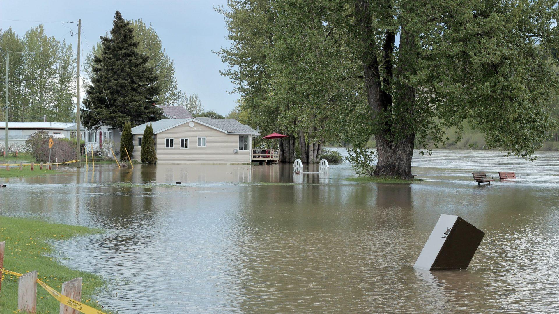 Fraser-River-floods-in-Prince-George-compressor-1920x1080