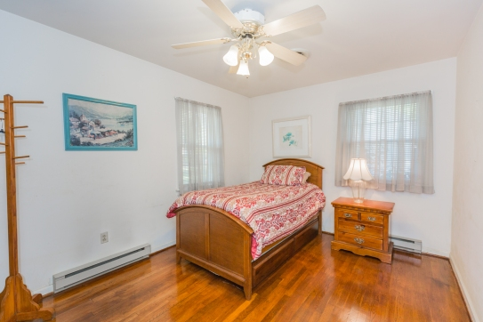 KINGS RD GUEST RM1A